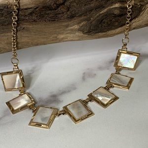 """Jewelry - Necklace Vintage Mother of Pearl Goldtone 13-16"""""""